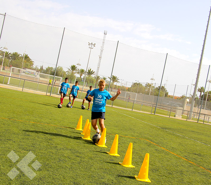 xpert-camps-campamentos-de-verano-futbol-alicante-actividades-1